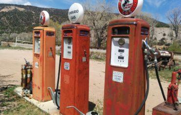 stacja paliw płynnych